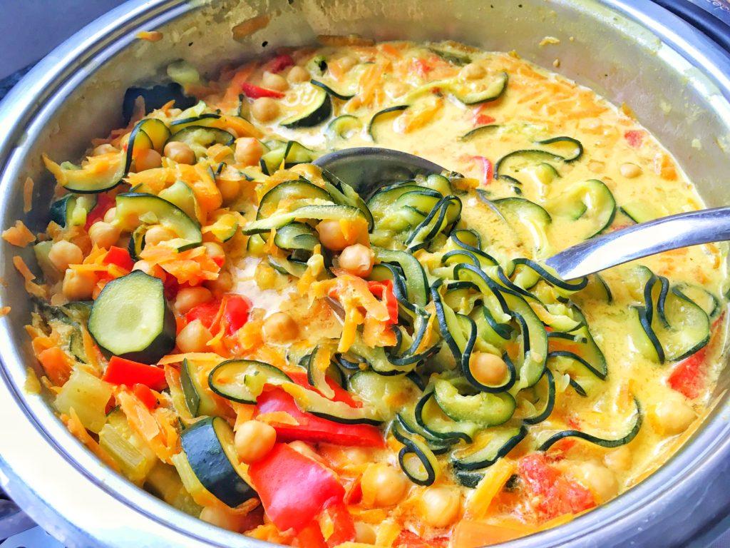 Zelenina v omáčce s cizrnou a kurkumou