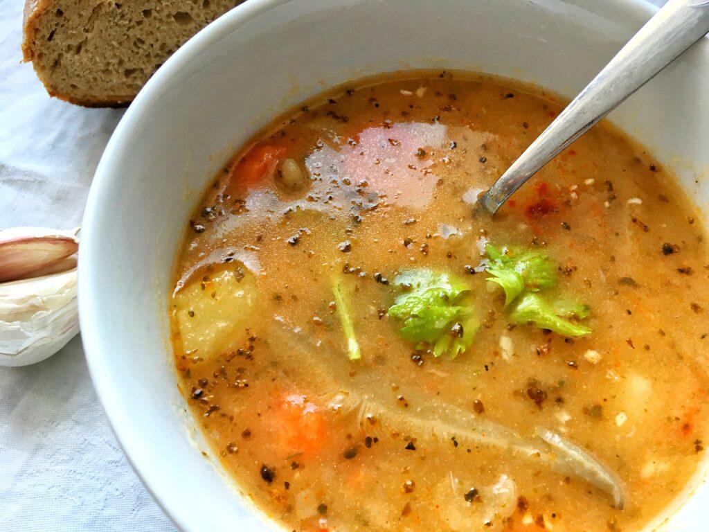 Gulášová polévka z hlívy