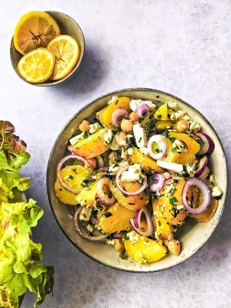 Lehký bramborový salát s fetou